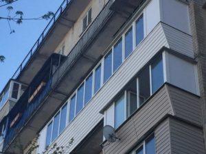 семи метровый балкон с крышей Киев